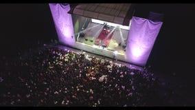 MUKACHEVO UKRAINA, LISTOPAD, - 01, 2017: Przewód rodziny dzień Antena strzału koncert przewód firma w mieście Mukachevo zbiory wideo