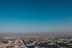 Mukachevo weinig stadslandschap stock foto's