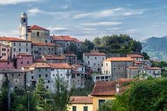 Mulazzo, старая деревня в Lunigiana стоковые фото
