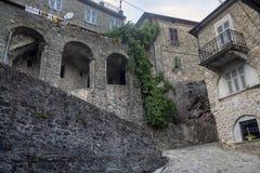 Mulazzo, старая деревня в Lunigiana стоковое изображение