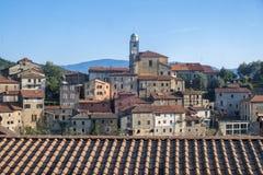 Mulazzo gammal by i Lunigiana royaltyfri fotografi