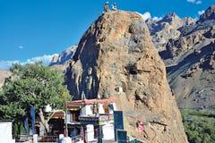 Mulbek Chamba y monasterio, Mulbek-Kargil, Ladakh, la India fotografía de archivo