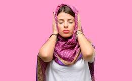 Mulher árabe nova imagem de stock