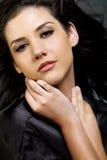 Mulher étnica bonita com cabelo escuro fotos de stock