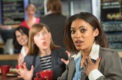 Mulher afligida no café Imagens de Stock