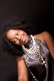 Mulher afro-americano que ri e que dança Foto de Stock Royalty Free