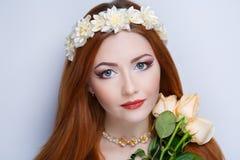 Mulher alaranjada do cabelo foto de stock royalty free
