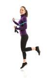 Mulher apta com corda de salto imagens de stock