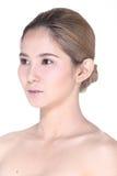 A mulher asiática após compõe o penteado nenhum retocar, sagacidade da cara fresca foto de stock royalty free