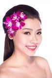Mulher asiática atrativa após a terapia da beleza Imagem de Stock