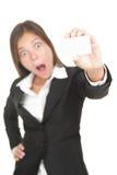 Mulher asiática choc do cartão isolada foto de stock