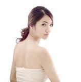 Mulher asiática com olhar do skincare foto de stock royalty free