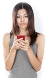 Mulher asiática com telefone de pilha Foto de Stock Royalty Free