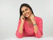 Mulher asiática no telefone Imagens de Stock Royalty Free