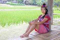 Mulher asiática no traje tradicional para Karen Imagens de Stock