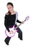 Mulher Asiático-Americana com guitarra elétrica fotografia de stock royalty free