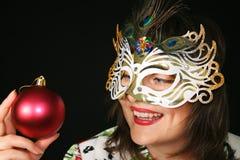 Mulher atrás da máscara fotos de stock royalty free