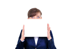 Mulher atrativa com papel em branco Foto de Stock Royalty Free