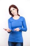 Mulher atrativa com PC da tabuleta Imagens de Stock Royalty Free