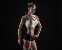 Mulher atrativa da aptidão, corpo fêmea treinado, portrai do estilo de vida Foto de Stock