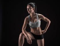 Mulher atrativa da aptidão, corpo fêmea treinado, portrai do estilo de vida Imagem de Stock