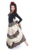 Mulher atrativa na dança longa da saia fotografia de stock