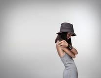 Mulher atrativa nova sobre o fundo branco foto de stock