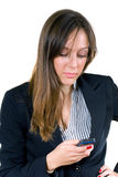Mulher atrativa nova, telemóvel de dactilografia do ona Fotos de Stock