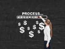 Mulher, barra do progresso e sinais de dólar louros Fotos de Stock