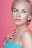 A mulher bonita atrativa com profissional compõe makeover bea imagem de stock royalty free