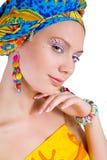 Mulher bonita com acessórios coloridos Imagem de Stock