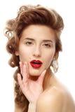 Mulher bonita com batom vermelho brilhante imagem de stock royalty free