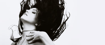 Mulher bonita com cabelo longo do vôo Foto de Stock