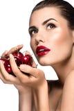 Mulher bonita com cereja Imagem de Stock