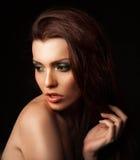 Mulher bonita com composição na moda Imagens de Stock Royalty Free