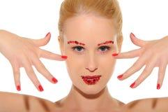 Mulher bonita com coração nos bordos e nas sobrancelhas Imagens de Stock Royalty Free