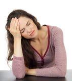 Mulher bonita com dor de cabeça terrível imagens de stock royalty free