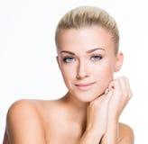 Mulher bonita com a face da beleza - isolada Fotos de Stock Royalty Free