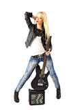 Mulher bonita com a guitarra elétrica preta fotografia de stock royalty free