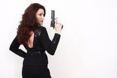 Mulher bonita com pistola foto de stock royalty free