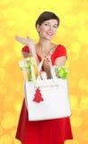Mulher bonita com presentes de Natal Foto de Stock Royalty Free