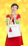Mulher bonita com presentes de Natal Imagens de Stock