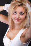Mulher bonita do retrato nas luvas brancas Imagens de Stock