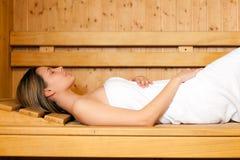 Mulher bonita em uma sauna Foto de Stock