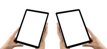 A mulher bonita entrega guardar o tablet pc com a tela branca isolada Local de trabalho do negócio com espaço da cópia Espaço vaz fotos de stock