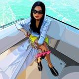 A mulher bonita está tomando imagens dsi mesma em um barco no mar Fotos de Stock