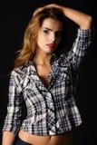 Mulher bonita na camisa cheked Fotos de Stock Royalty Free