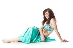 Mulher bonita na dança árabe da dança imagem de stock royalty free