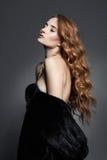 Mulher bonita na pele Imagem de Stock Royalty Free