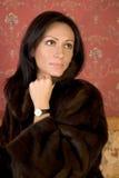 Mulher bonita na pele Imagem de Stock